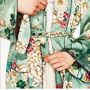 Zara Woman floral kimono